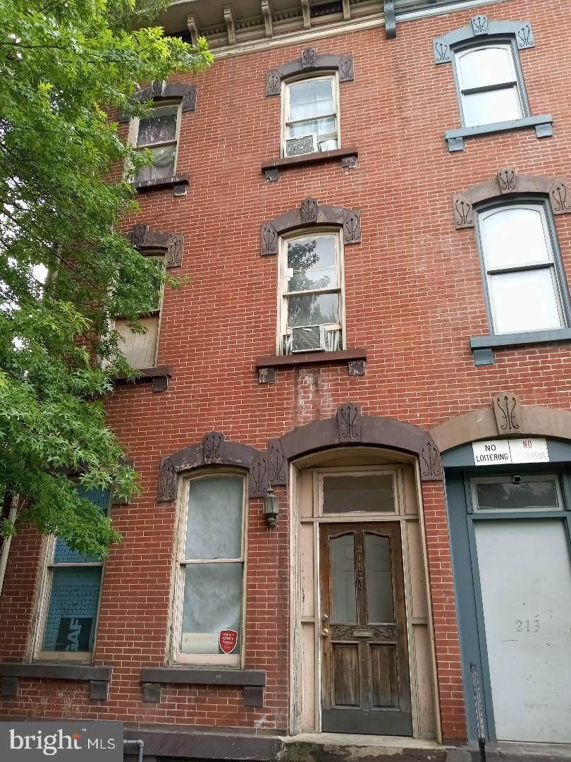 215 Perry Street - Photo 1