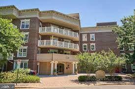 1201 N Nash Street #202, ARLINGTON, VA 22209 (#VAAR2000722) :: The Piano Home Group