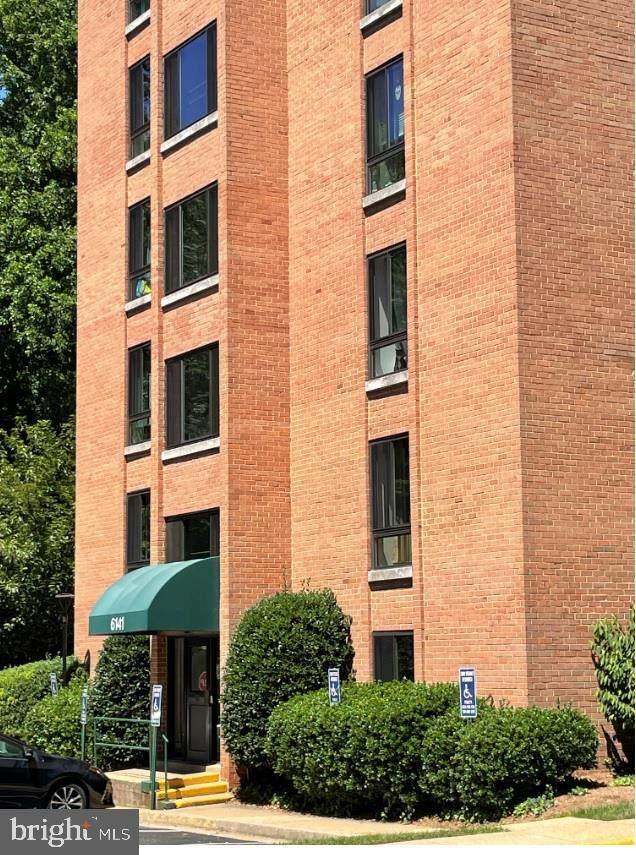 6141 Leesburg Pike #202, FALLS CHURCH, VA 22041 (#VAFX2003310) :: Corner House Realty