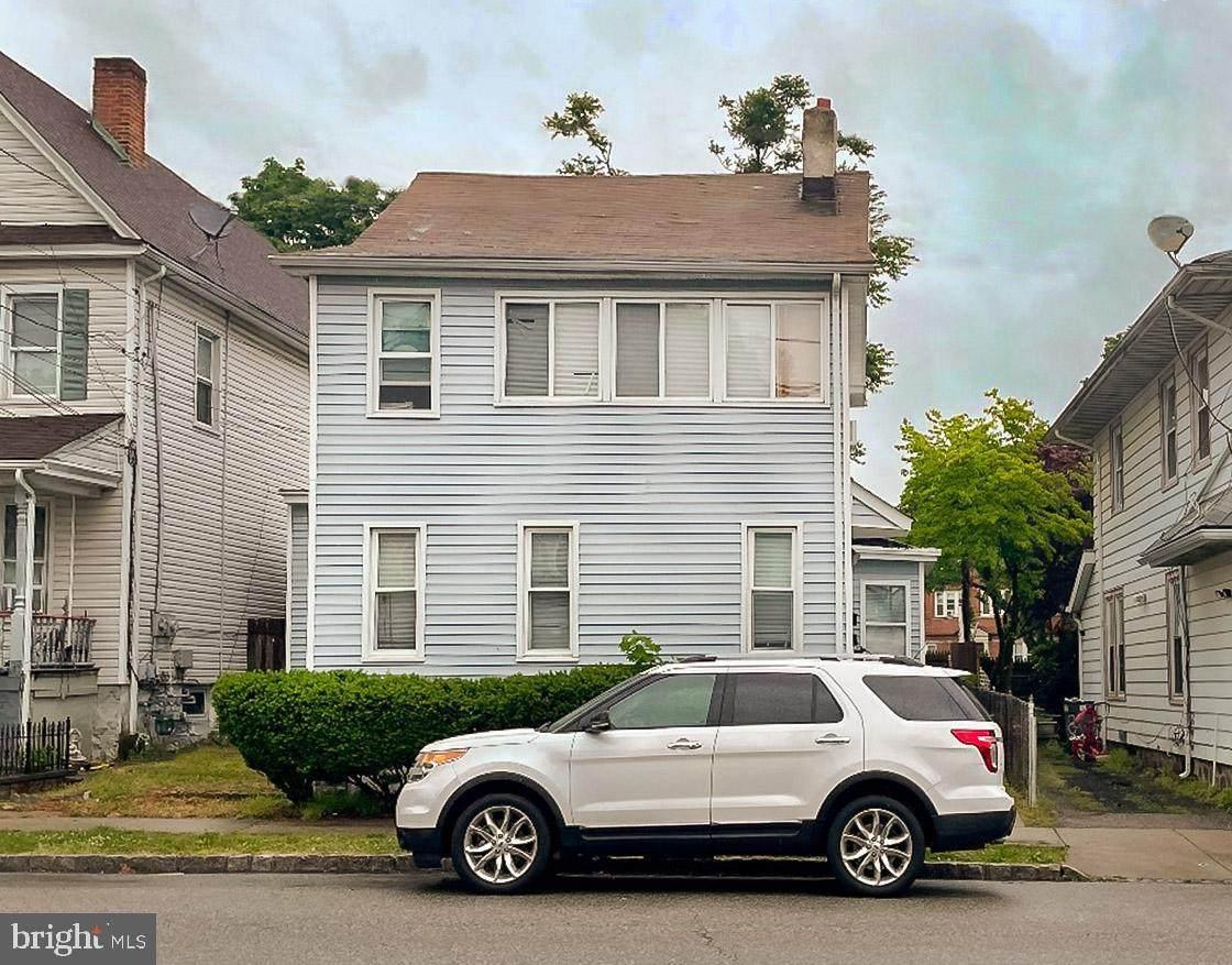 13 Sussex Avenue - Photo 1