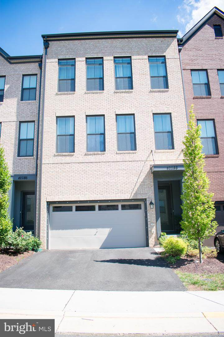 42288 Crawford Terrace - Photo 1