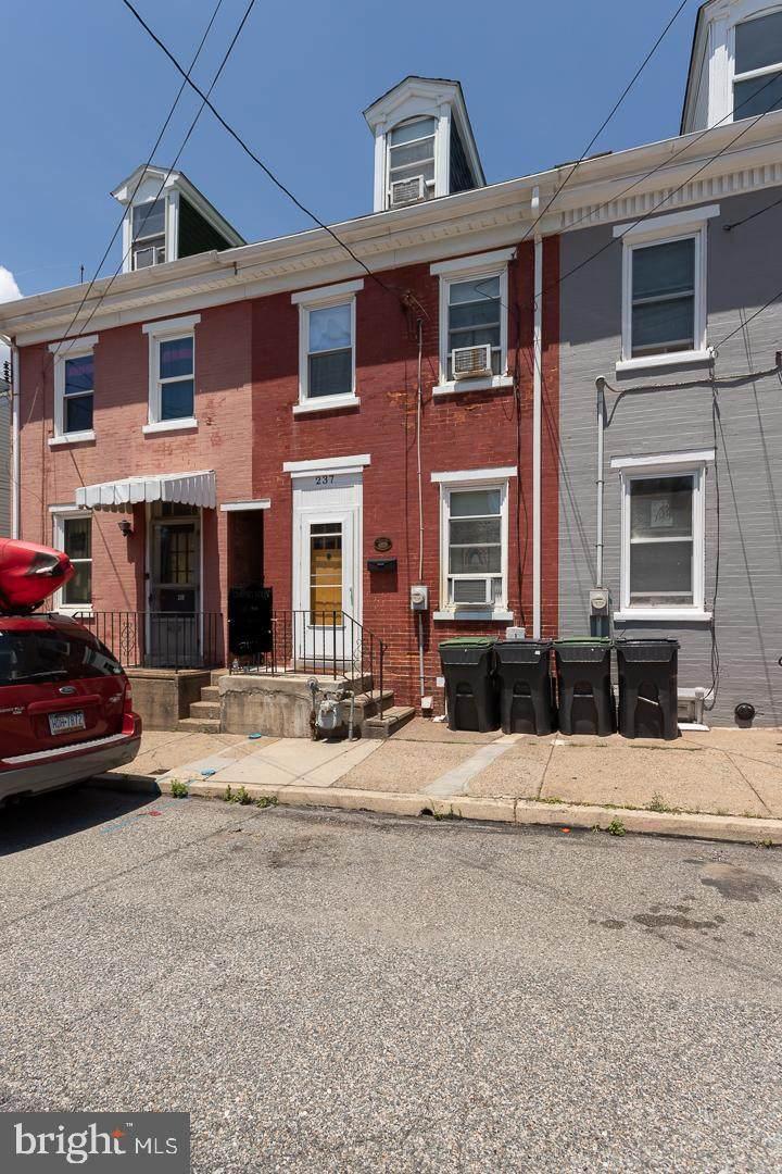 237 Hall Street - Photo 1