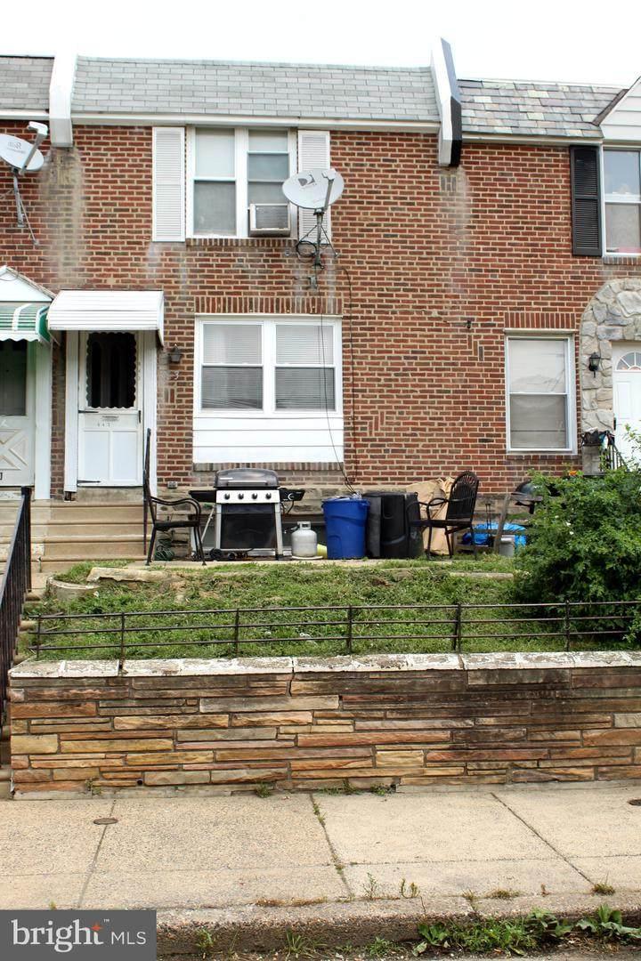643 Carver Street - Photo 1