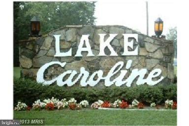 519 Lake Caroline Drive, RUTHER GLEN, VA 22546 (#VACV2000114) :: The Maryland Group of Long & Foster Real Estate