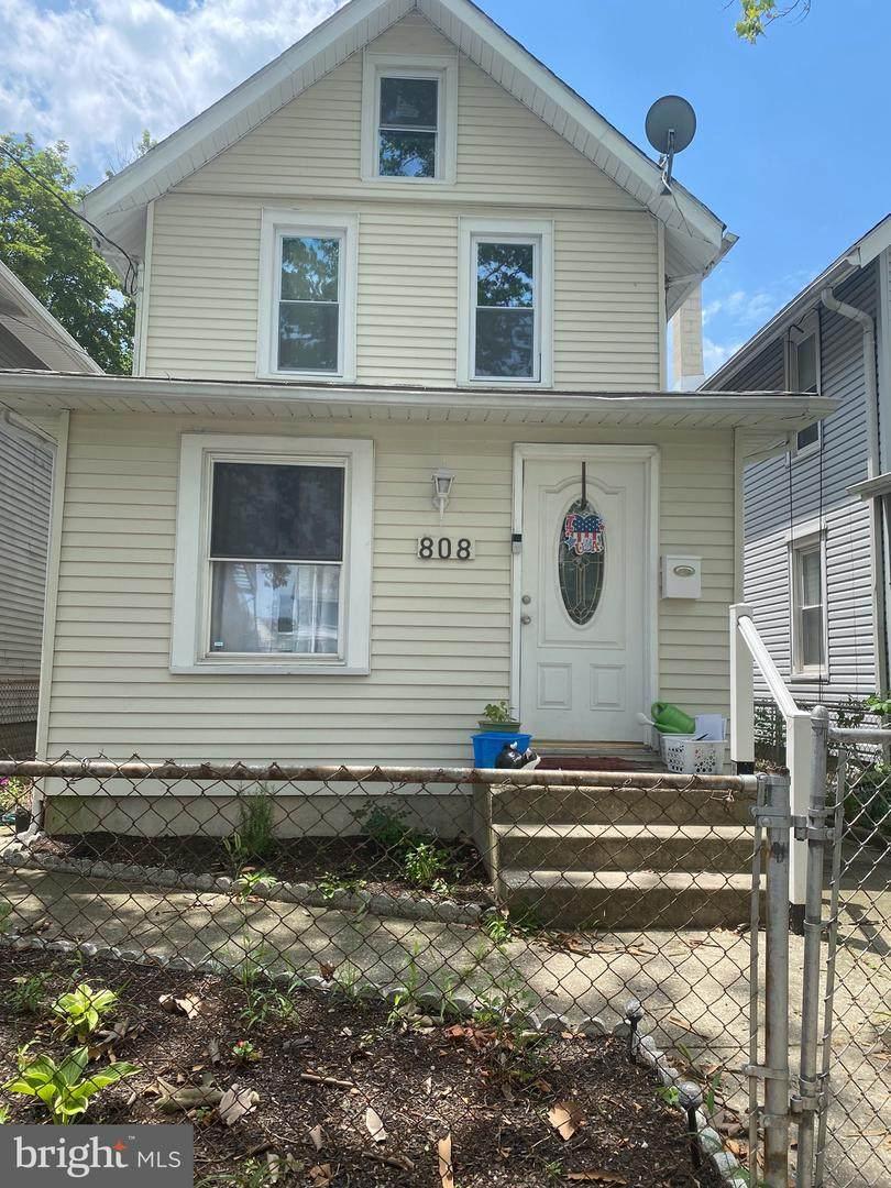 808 Somerset Street - Photo 1
