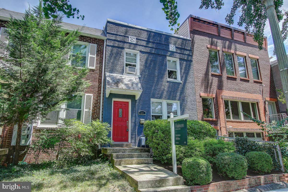 231 Warren Street - Photo 1