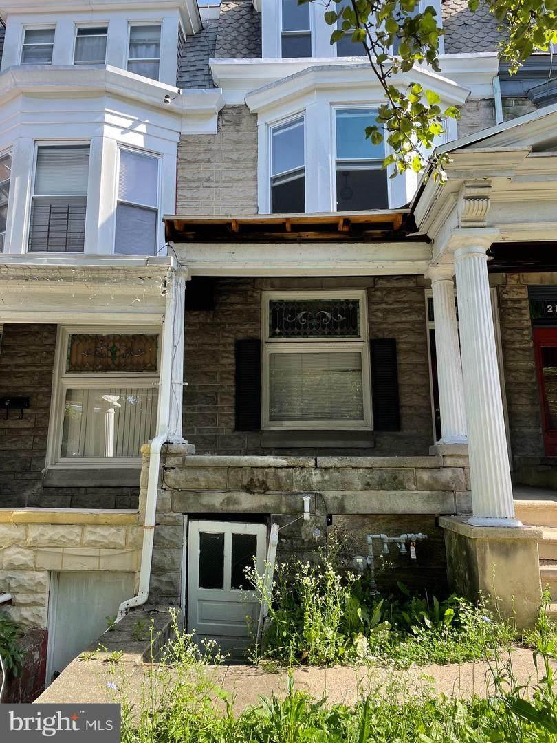 219 Windsor Street - Photo 1