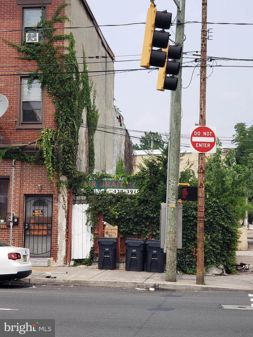 801 4TH Street - Photo 1