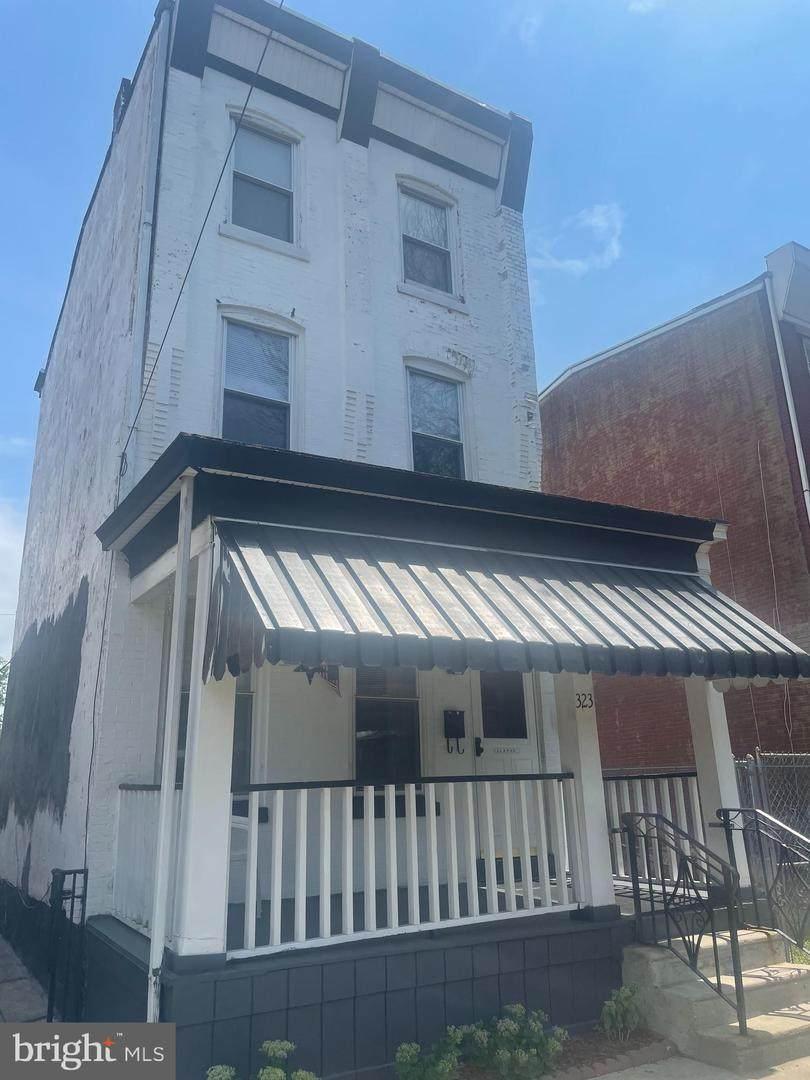 323 Walnut Avenue - Photo 1