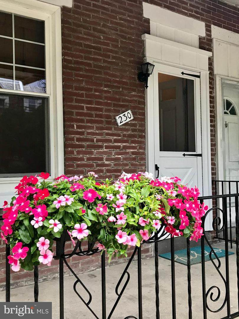 230 Osborn Street - Photo 1