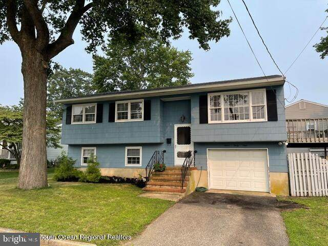 1234 Woods End Road, POINT PLEASANT BORO, NJ 08742 (#NJOC2001334) :: Sunrise Home Sales Team of Mackintosh Inc Realtors