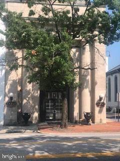 1 N Hanover Street, CARLISLE, PA 17013 (#PACB2001598) :: The Joy Daniels Real Estate Group