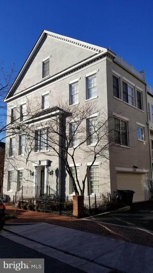 1808 Potomac Greens Drive, ALEXANDRIA, VA 22314 (#VAAX2001982) :: Nesbitt Realty