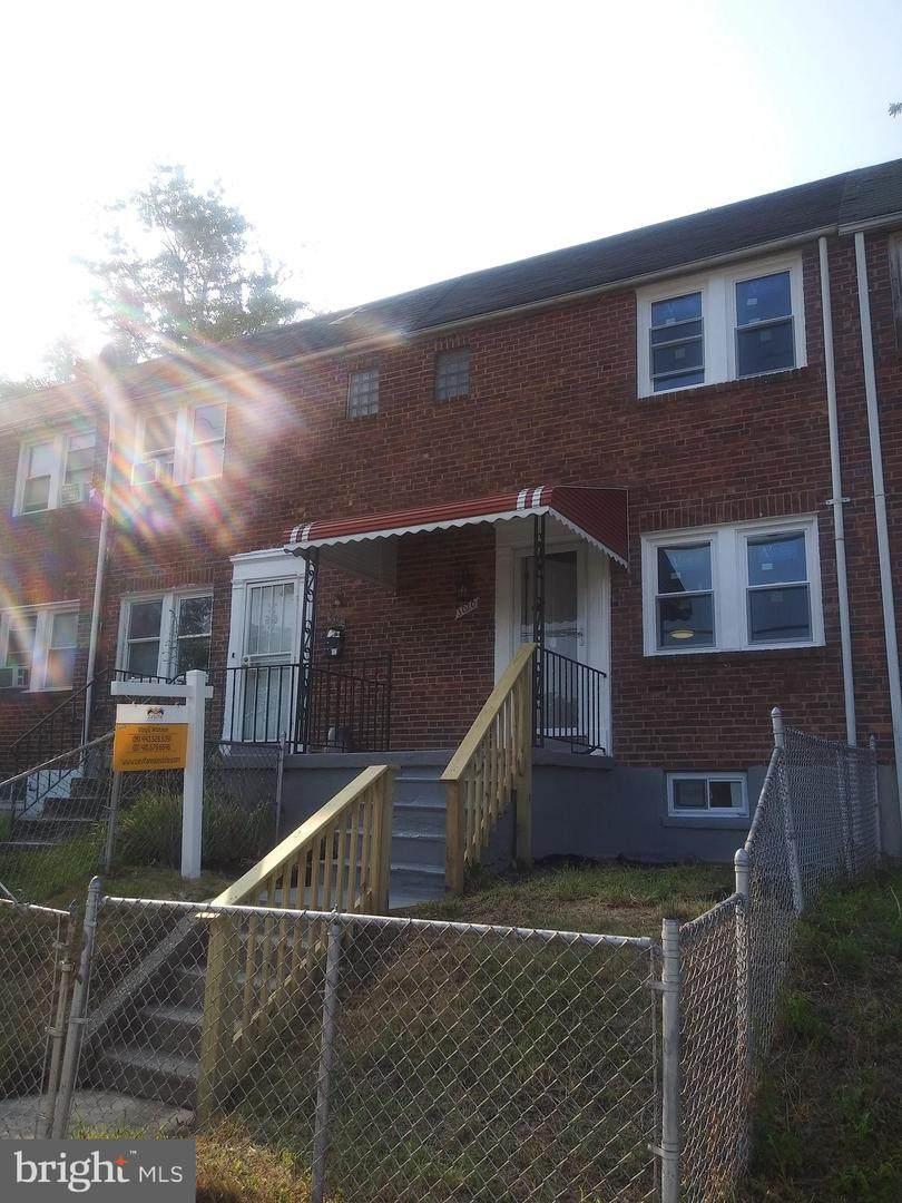 3020 Grantley Avenue - Photo 1