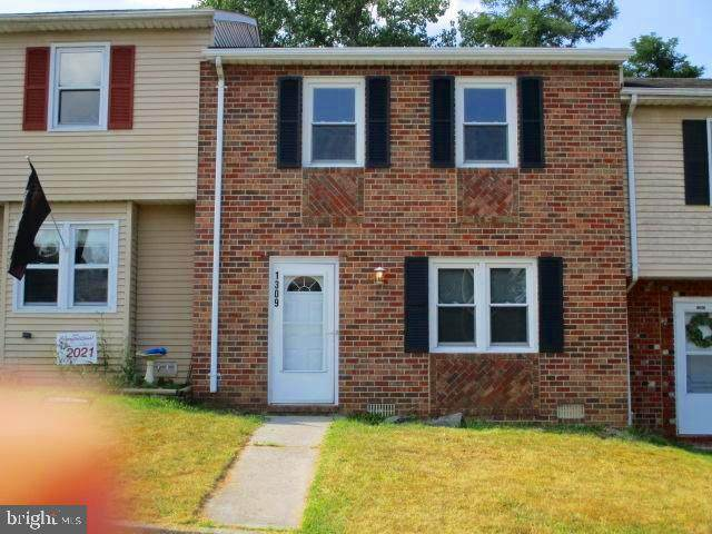 1309 Robinhood Lane, FRONT ROYAL, VA 22630 (#VAWR2000502) :: Jennifer Mack Properties