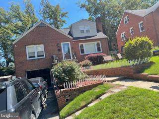 6309 Joslyn Place, CHEVERLY, MD 20785 (#MDPG2006730) :: The Sky Group