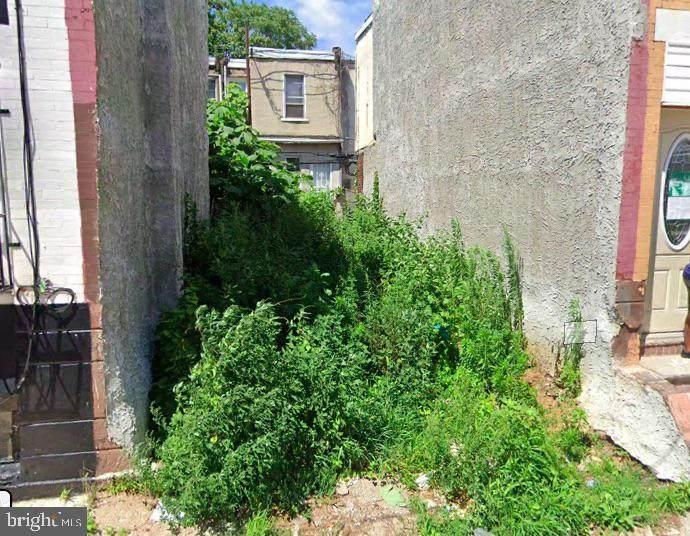 1303 Clementine Street - Photo 1