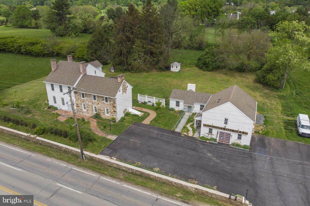 609 Lincoln Highway - Photo 1