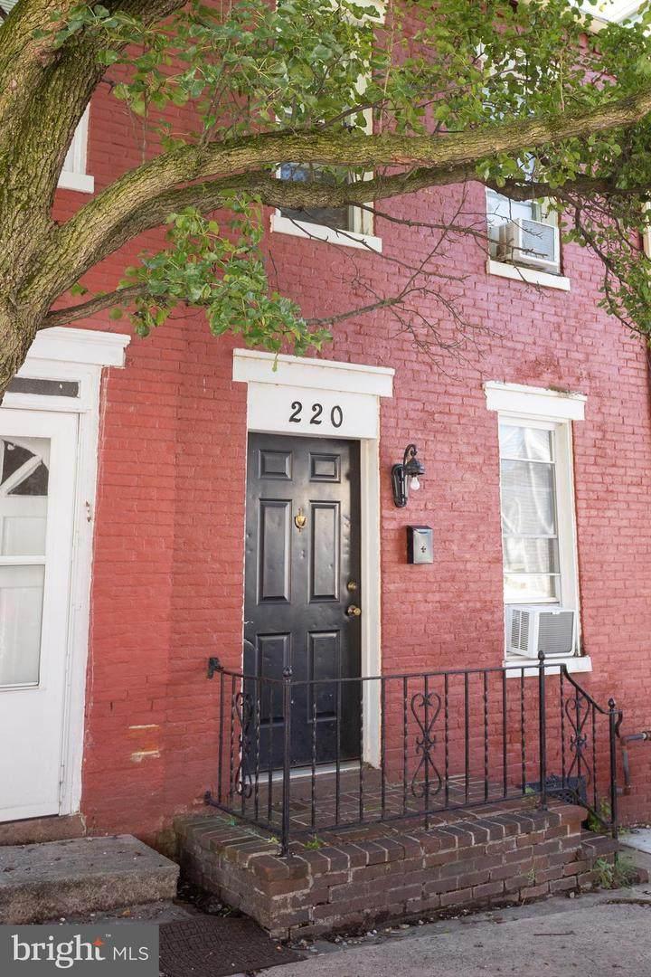 220 Lawrence Street - Photo 1