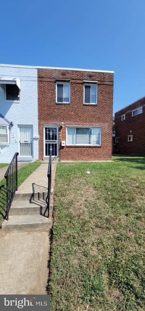 225 Anacostia Avenue NE, WASHINGTON, DC 20019 (#DCDC2009404) :: The Vashist Group