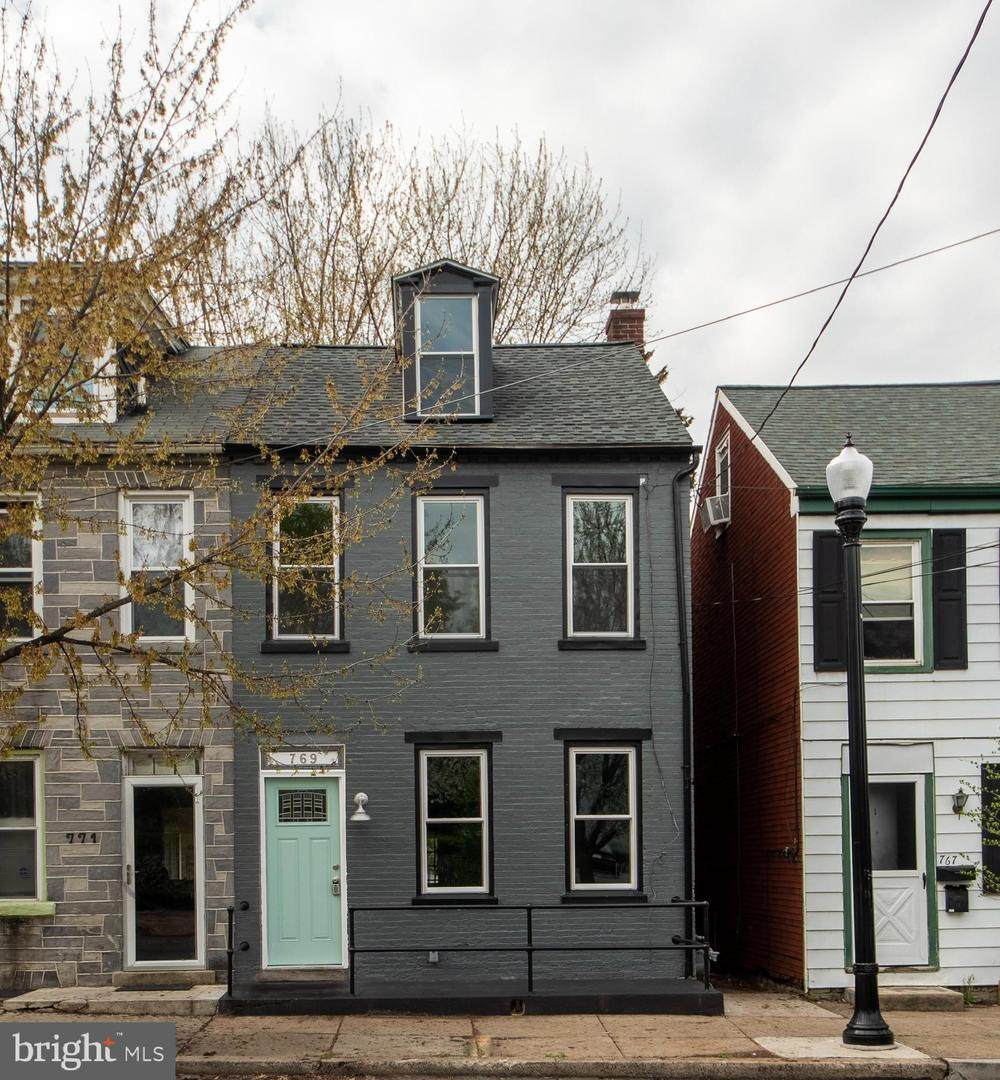 769 Manor Street - Photo 1