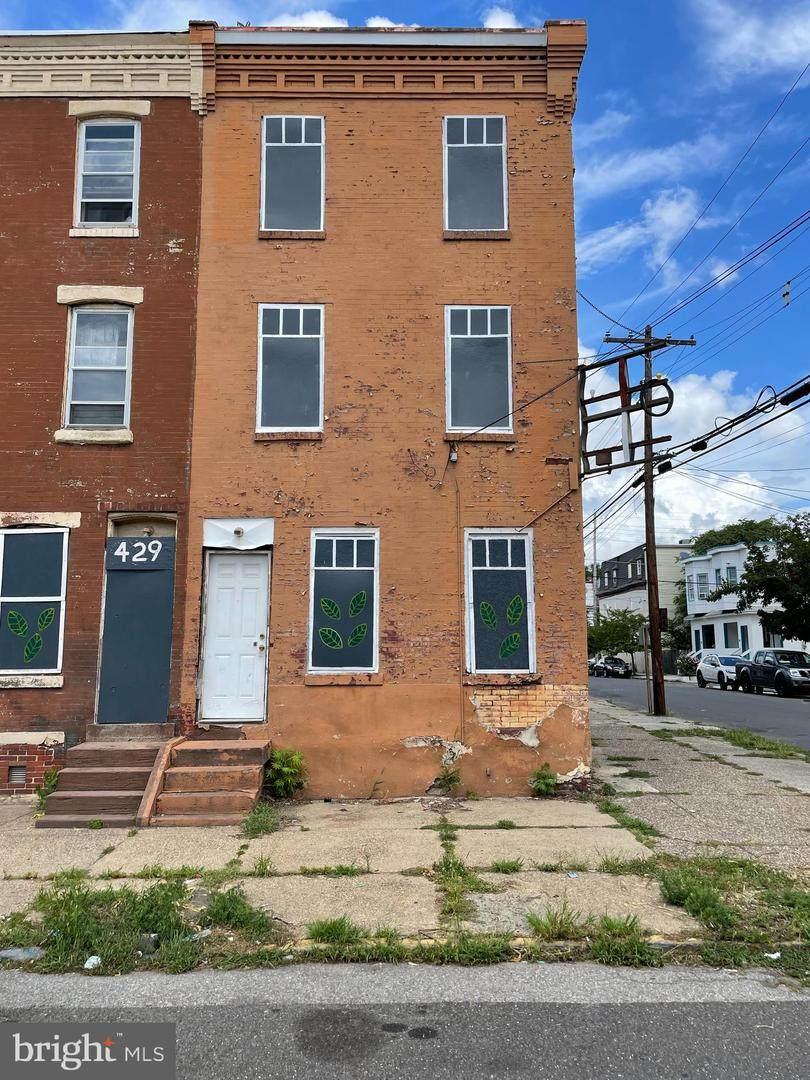 431 Vine Street - Photo 1