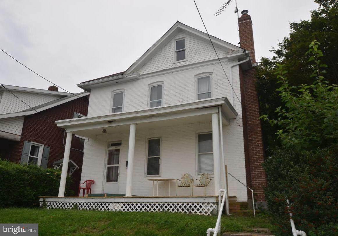 316 West 6Th Street - Photo 1