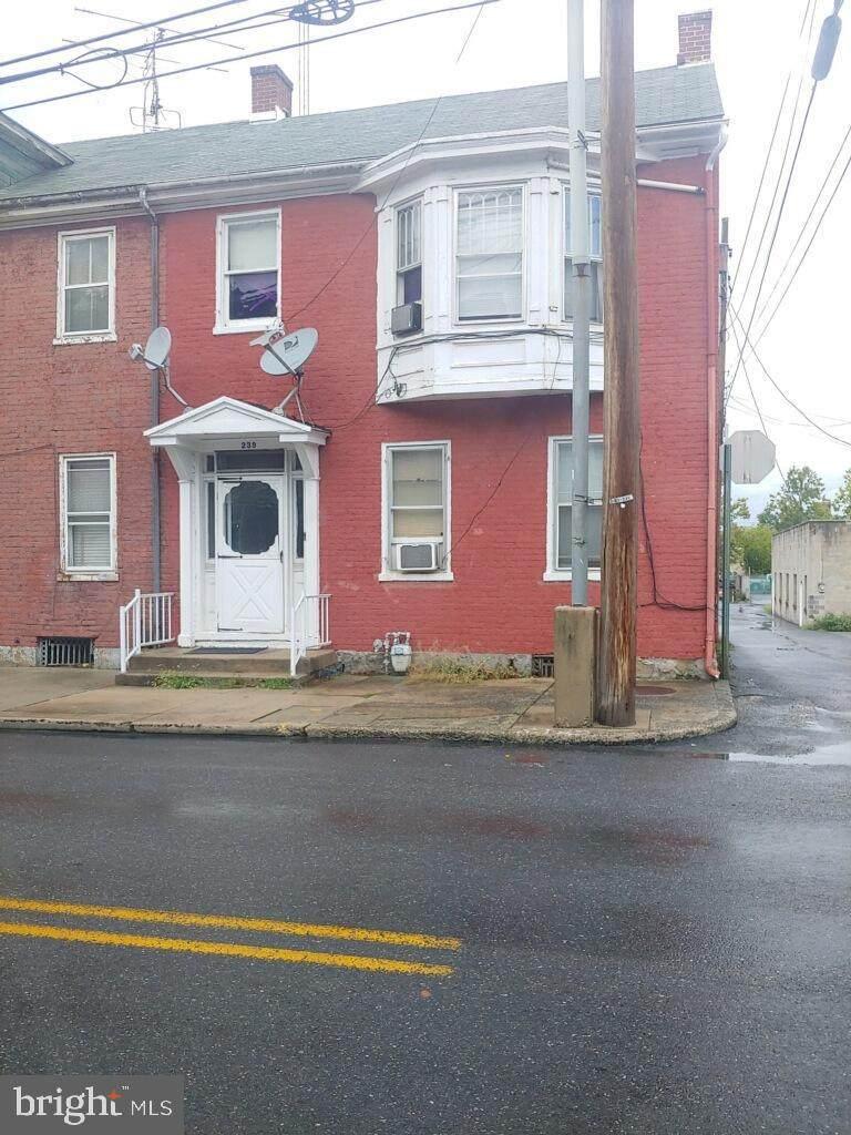 239 King Street - Photo 1