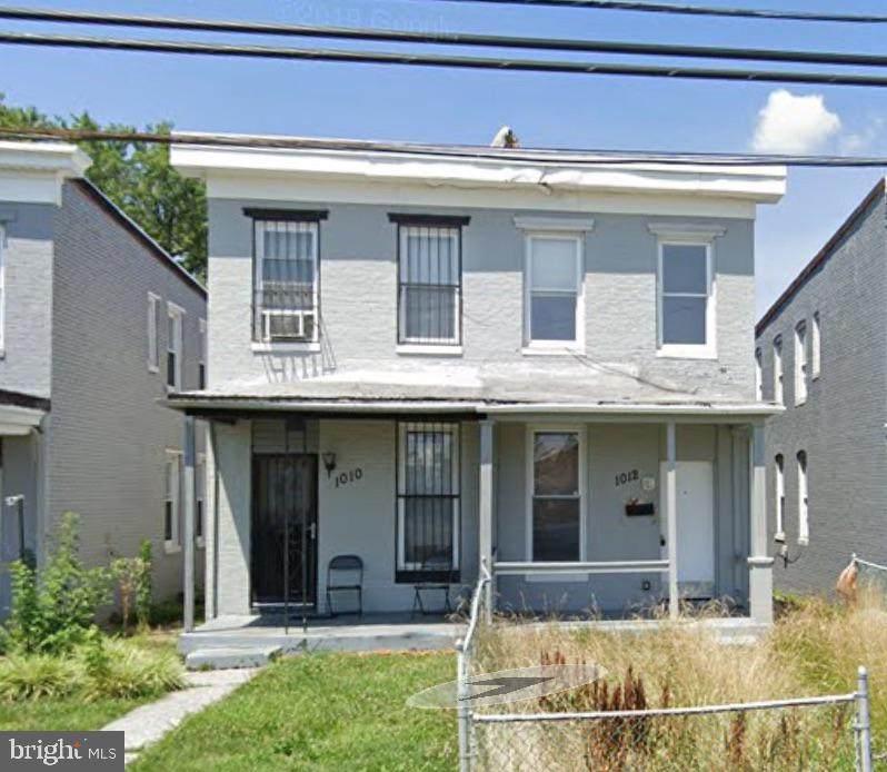 1012 Warwick Avenue - Photo 1