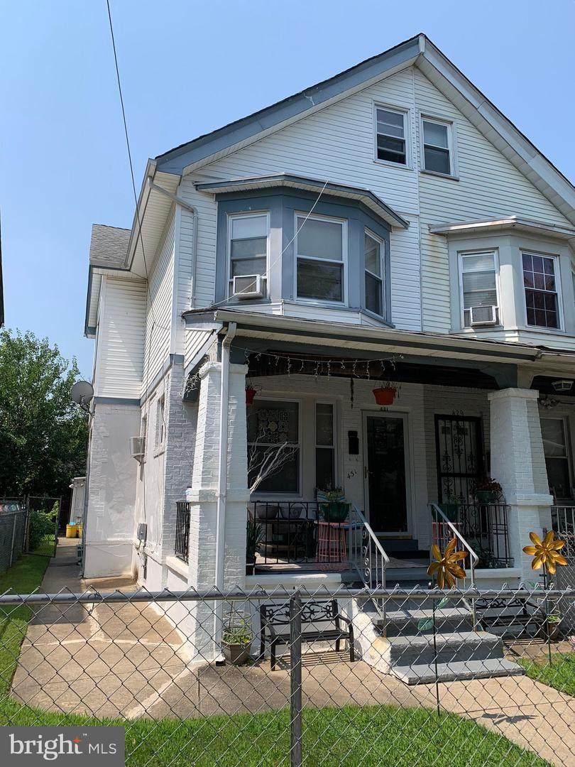431 Cuyler Avenue - Photo 1