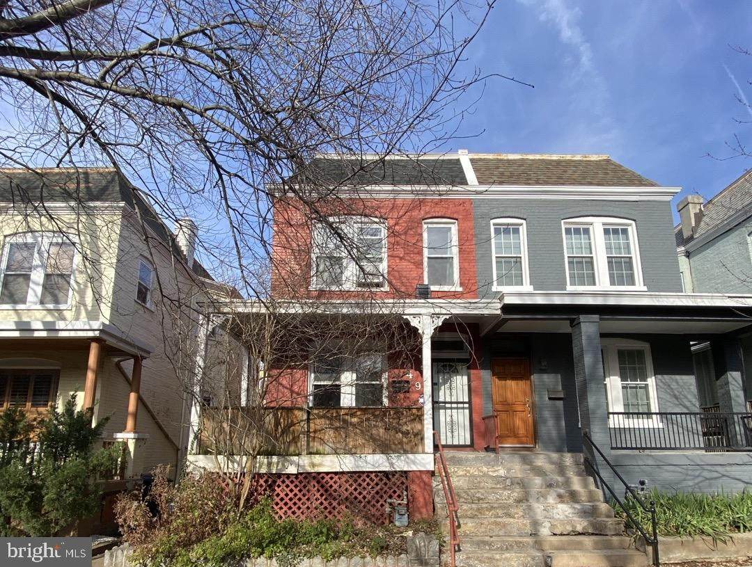 749 Girard Street - Photo 1