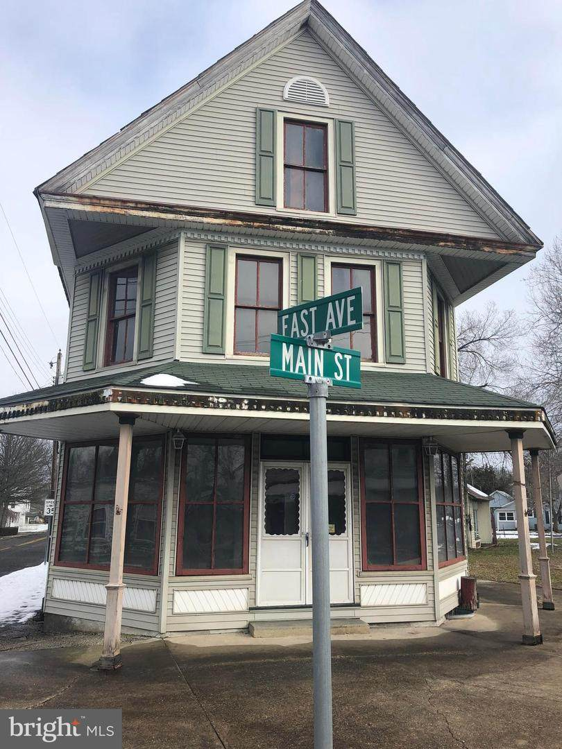 939 Main Street - Photo 1