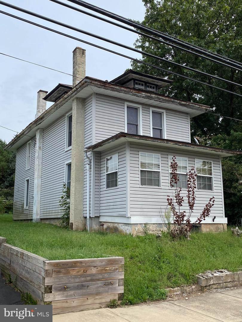 578 Dotts Street - Photo 1