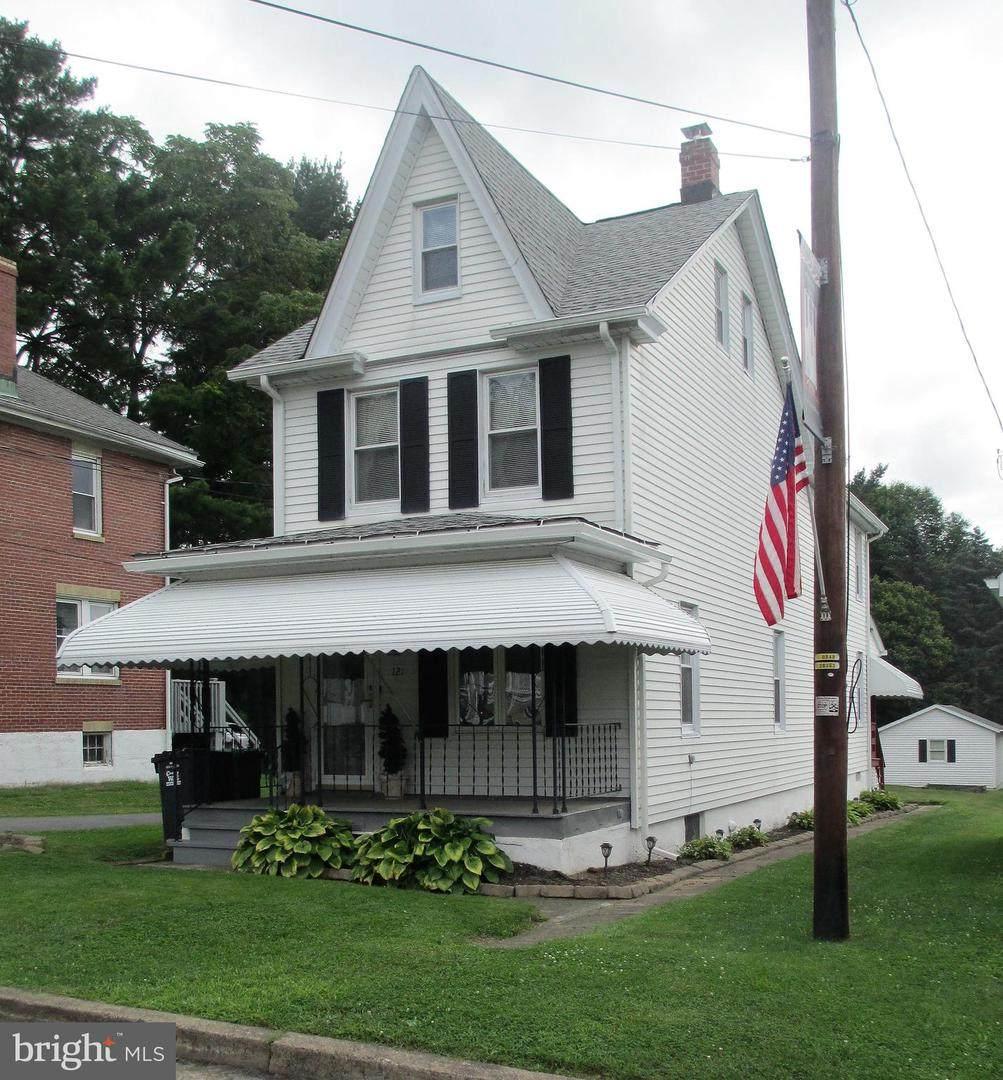 121 Dean Street - Photo 1