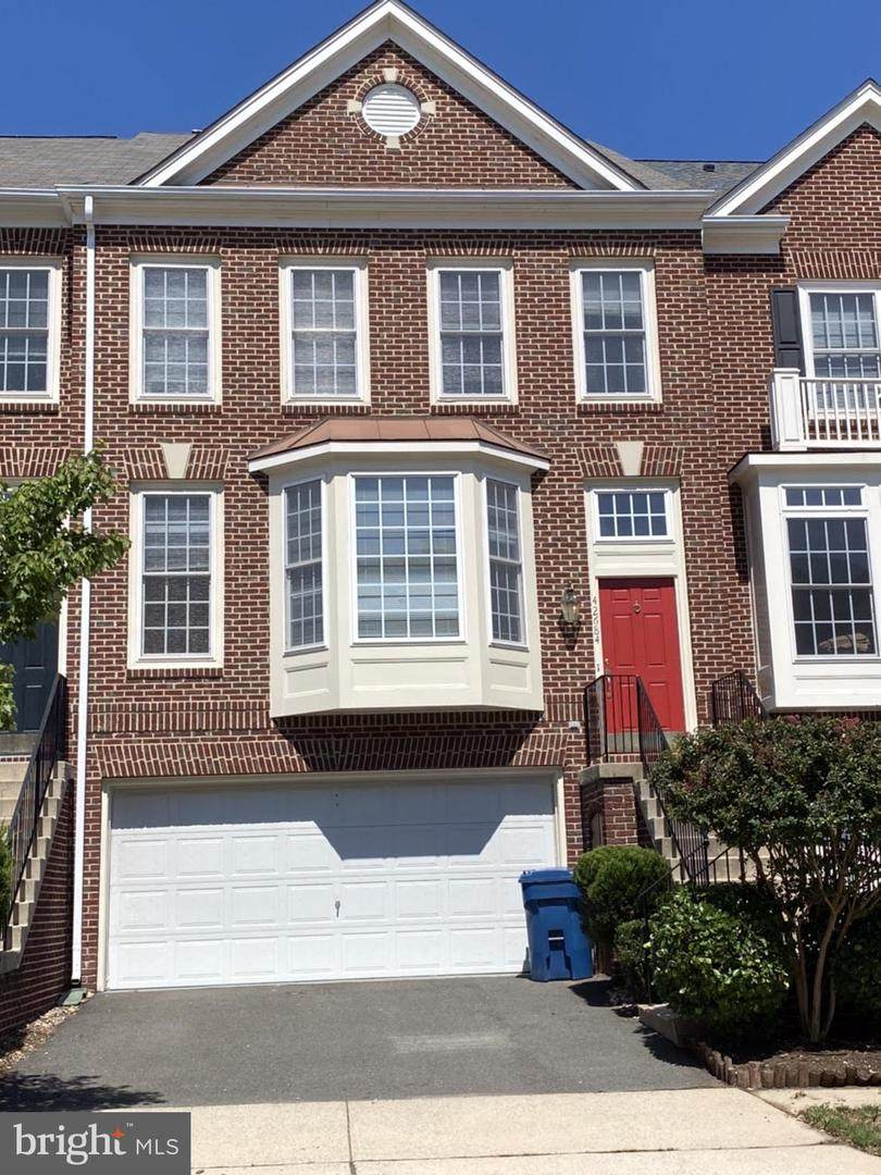 42684 Rolling Rock Square - Photo 1