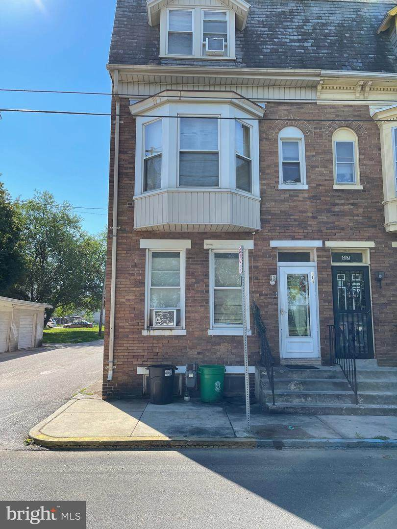 414 Wallace Street - Photo 1