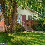 10002 Edward Avenue, BETHESDA, MD 20814 (#MDMC2015298) :: Berkshire Hathaway HomeServices McNelis Group Properties