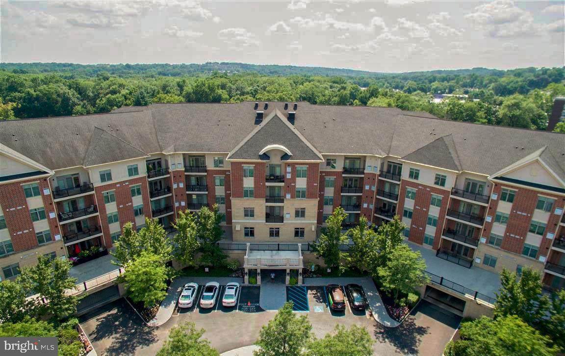 539 Carson Terrace - Photo 1
