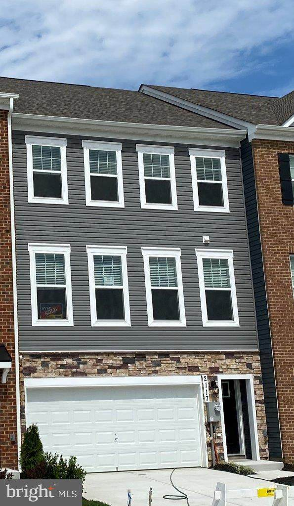 9606 Silver Bluff Way, MITCHELLVILLE, MD 20721 (#MDPG2012694) :: The Putnam Group