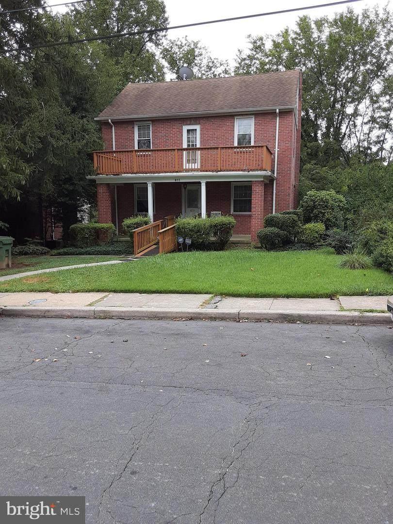 815 Evesham Avenue - Photo 1