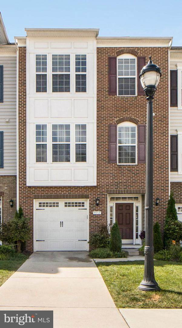 4917 Forest Pines Drive, UPPER MARLBORO, MD 20772 (#MDPG2013180) :: The Vashist Group