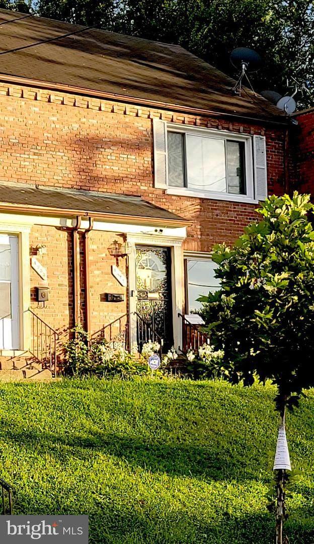4927 Just Street NE, WASHINGTON, DC 20019 (#DCDC2015436) :: The MD Home Team