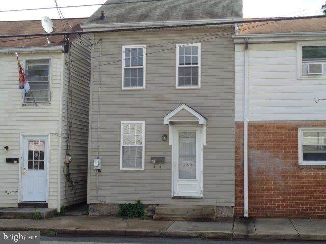 305 N East Street, CARLISLE, PA 17013 (#PACB2003648) :: ExecuHome Realty