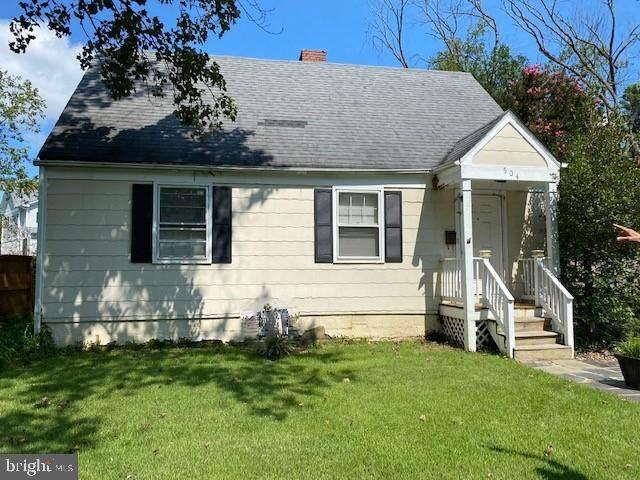 504 Randolph Street, FALLS CHURCH, VA 22046 (#VAFA2000312) :: Dart Homes
