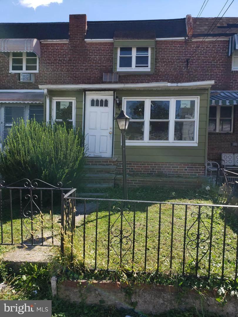208 Marks Avenue - Photo 1