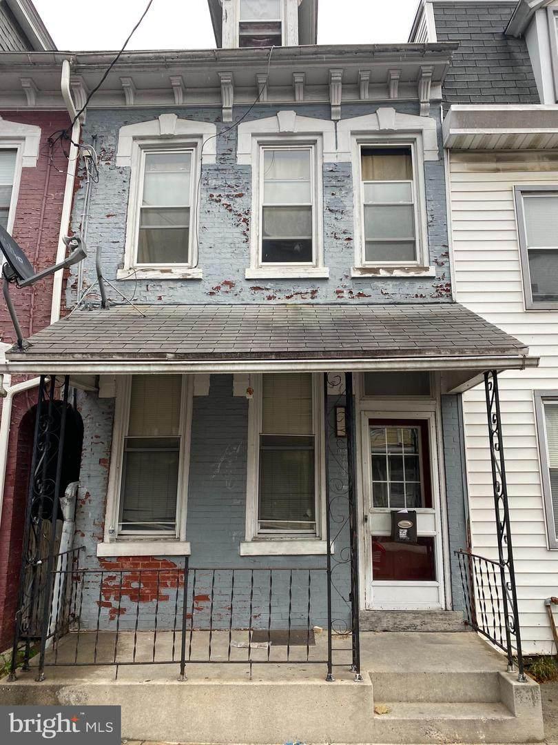 514 10TH Street - Photo 1