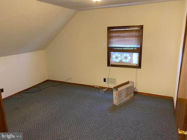 596 Old Trenton Rd - Photo 1