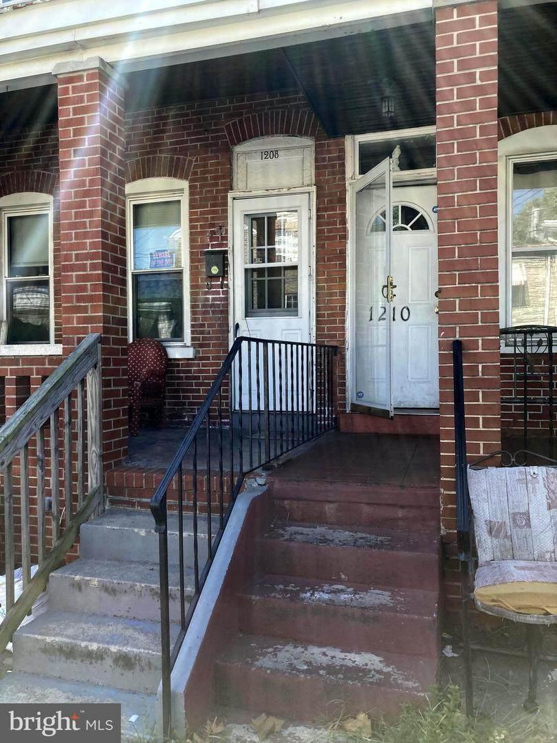 1210 Oak Street - Photo 1