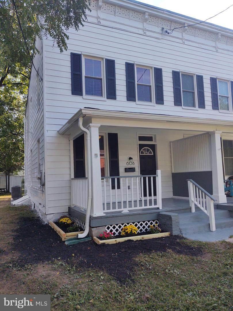 608 Montgomery Street - Photo 1