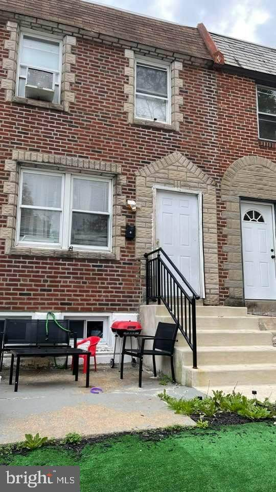 5117 Leiper Street, PHILADELPHIA, PA 19124 (#PAPH2037328) :: Tom Toole Sales Group at RE/MAX Main Line